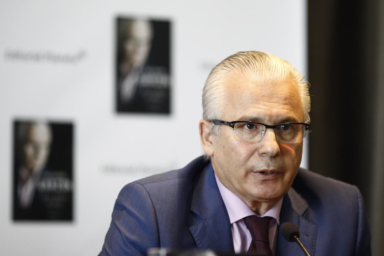 Anticorrupción sospecha que Garzón accedió a la investigación secreta del espionaje a Bárcenas