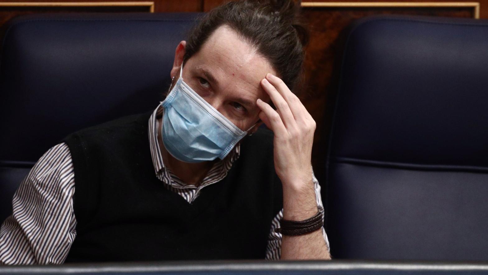 Iglesias ordena apoyar a Puigdemont para evitar cataclismos en la mayoría de la investidura
