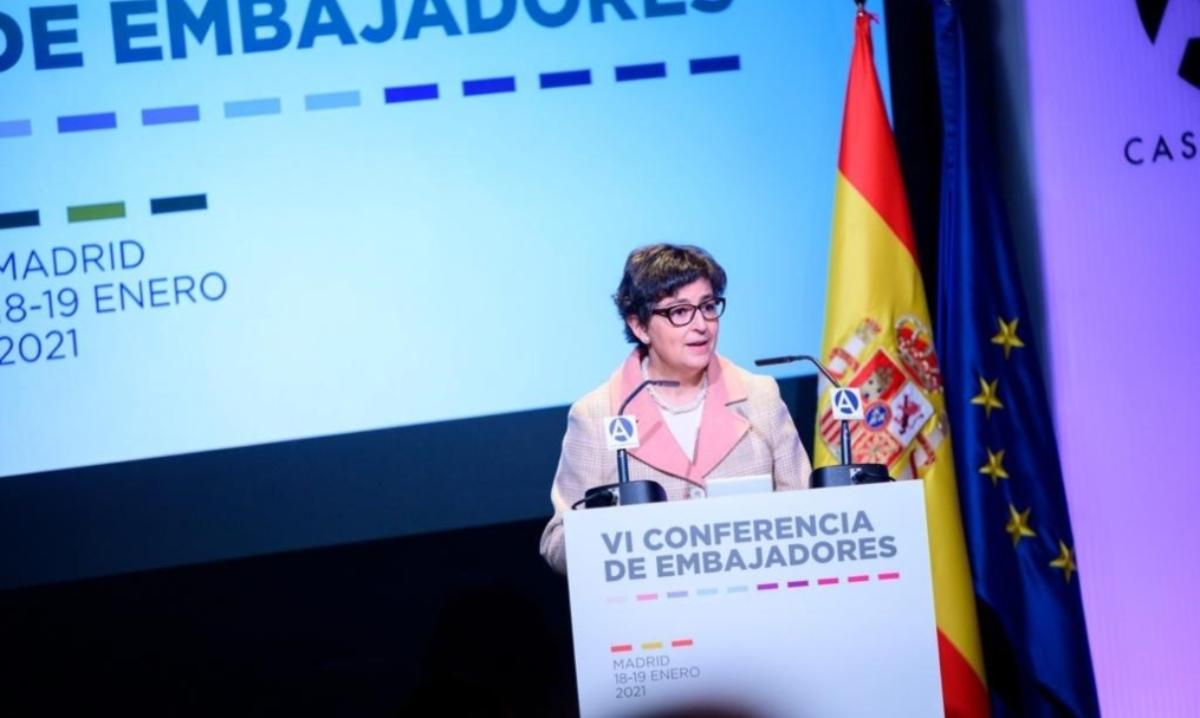 """Laya alecciona a los embajadores sobre la """"política exterior feminista"""" de España"""