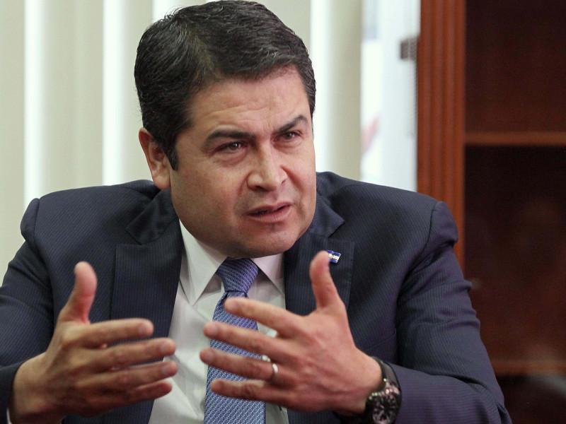 Estados Unidos asegura que el presidente de Honduras colaboró con supuesto narco