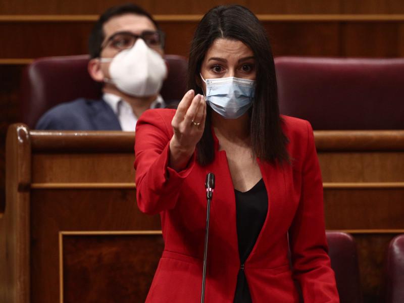 El PP carga contra Arrimadas: la tilda de irresponsable por pactar con Iglesias en Murcia