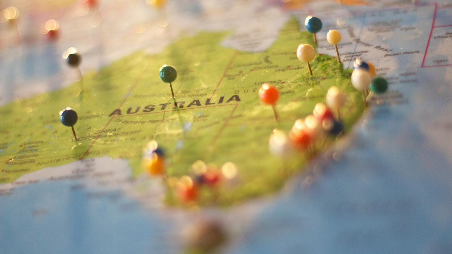 Australia rebaja tarifas aéreas domésticas para impulsar el turismo nacional