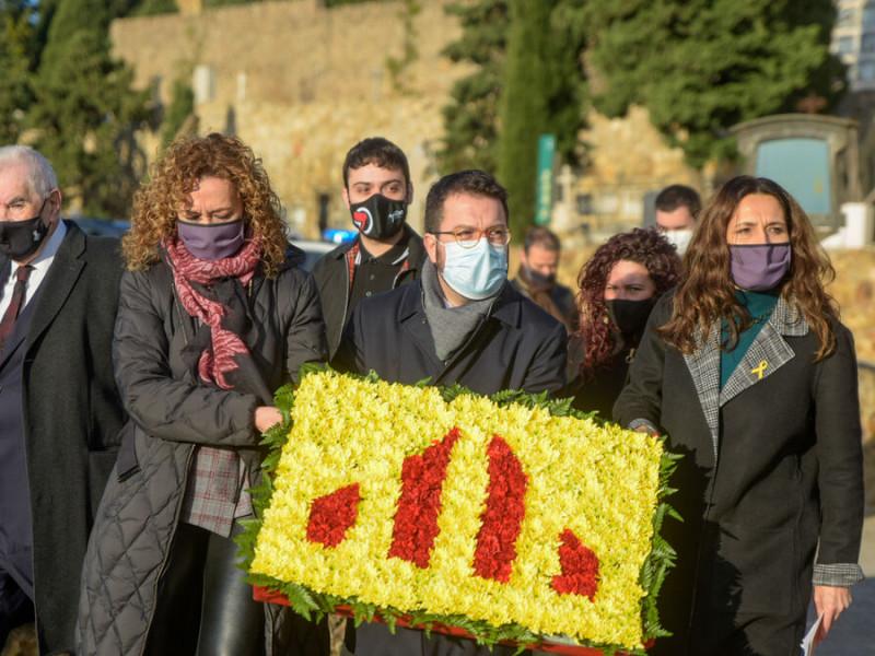 Doblete de ERC: neutraliza a Illa y a Laporta al aplazar ambas elecciones en Cataluña