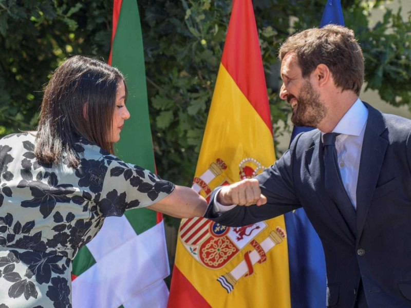 Inés Arrimadas y Pablo Casado en un acto conjunto en el País Vasco.