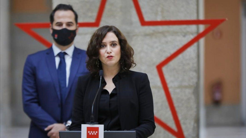 La presidenta de la Comunidad de Madrid, Isabel Díaz Ayuso, con el exvicepresidente Ignacio Aguado antes del anuncio de Iglesias.