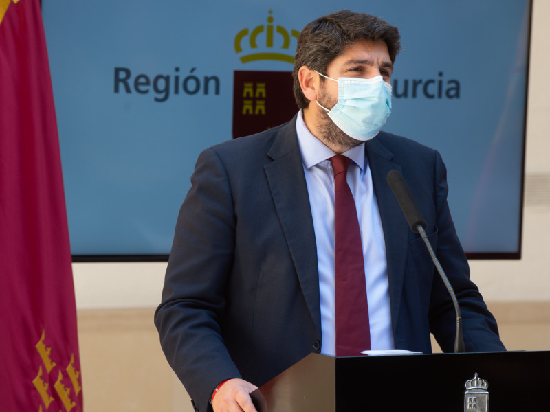 De la tragedia madrileña a la farsa murciana