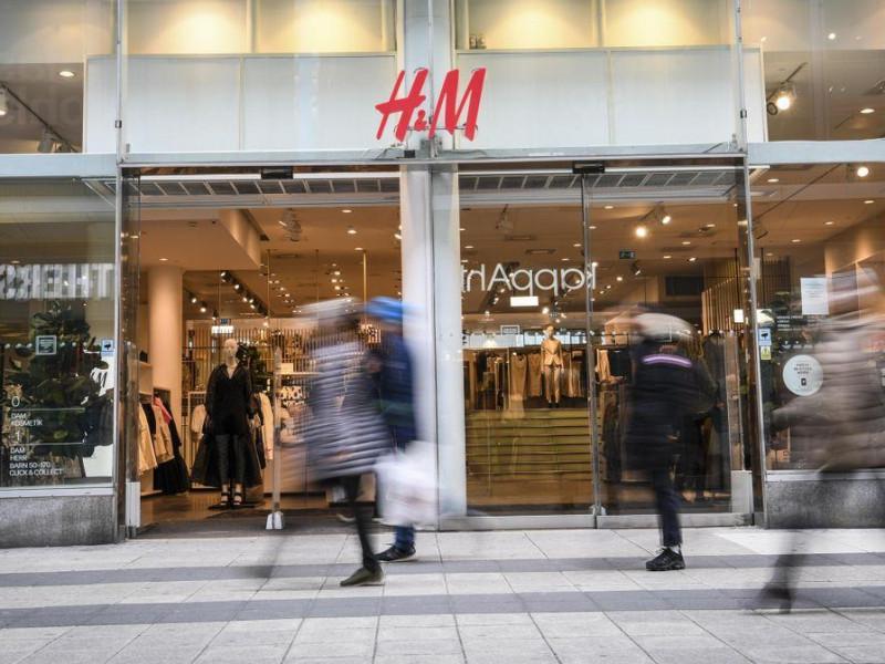 Las ventas de H&M cayeron un 21 % en el primer trimestre por la pandemia