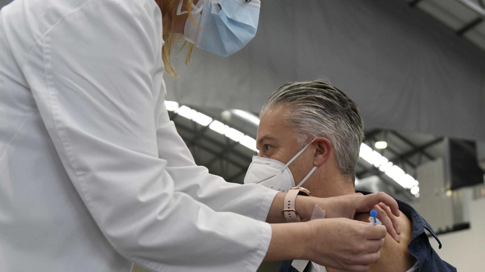 """La vacunación de enfermos crónicos sigue sin fecha: """"La sensación es de cierto descontrol"""""""