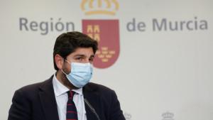 La jueza no admite la denuncia por cohecho interpuesta contra López Miras