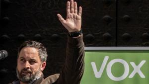 """Abascal reclama a las comunidades """"que dicen a oponerse a Sánchez"""" que levanten el toque de queda"""