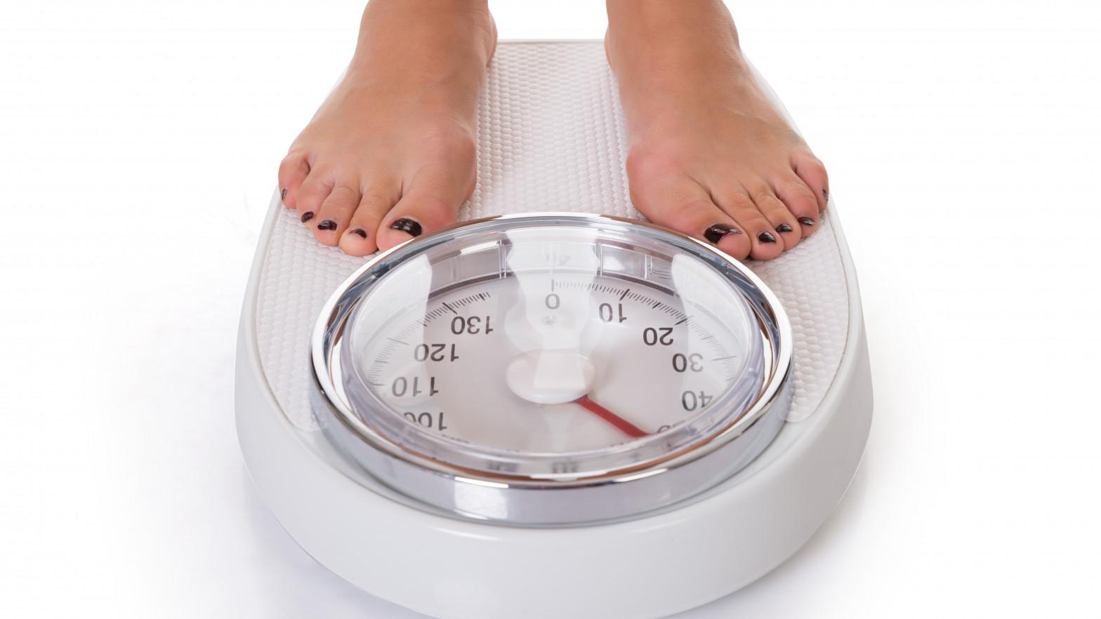 Por qué no logras perder peso si haces ejercicio y comes sano: lo que no sabes