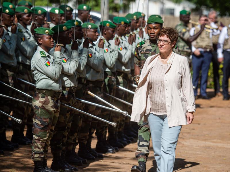 Mueren 33 militares malienses en una emboscada terrorista en noreste del país
