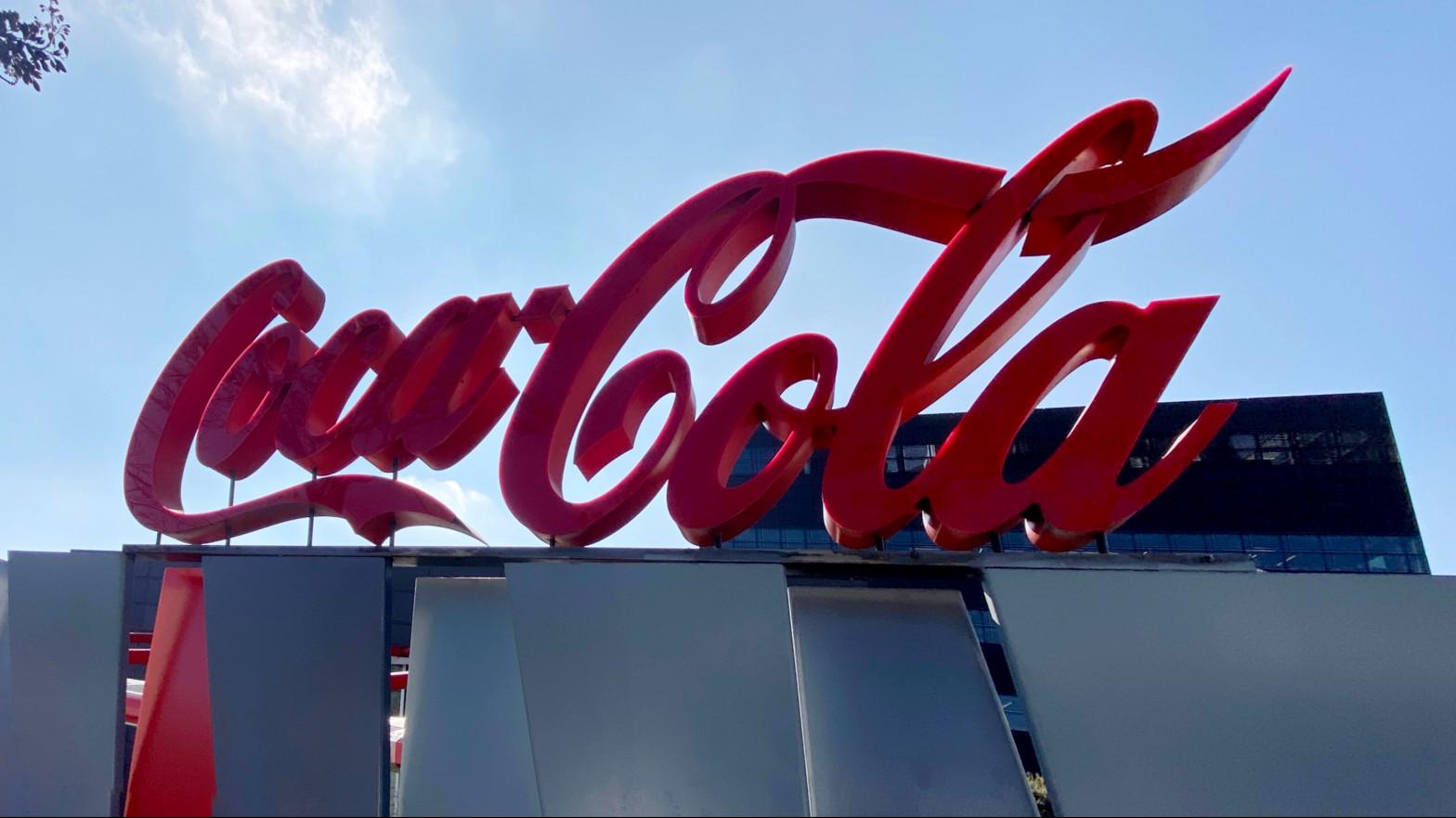 Coca-Cola European Partners y los sindicatos pactan un ERE con prejubilaciones y bajas incentivadas