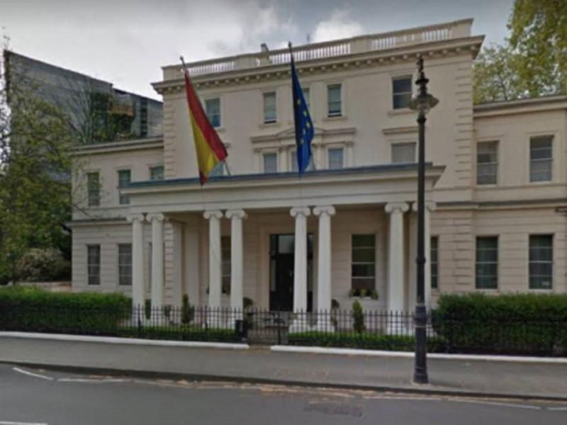 Laya no tiene prisa con Londres: un cónsul se aloja en la residencia vacía del embajador