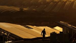 """La 'España vaciada' se rebela contra las renovables: """"Nos colonizan sin generar empleo"""""""