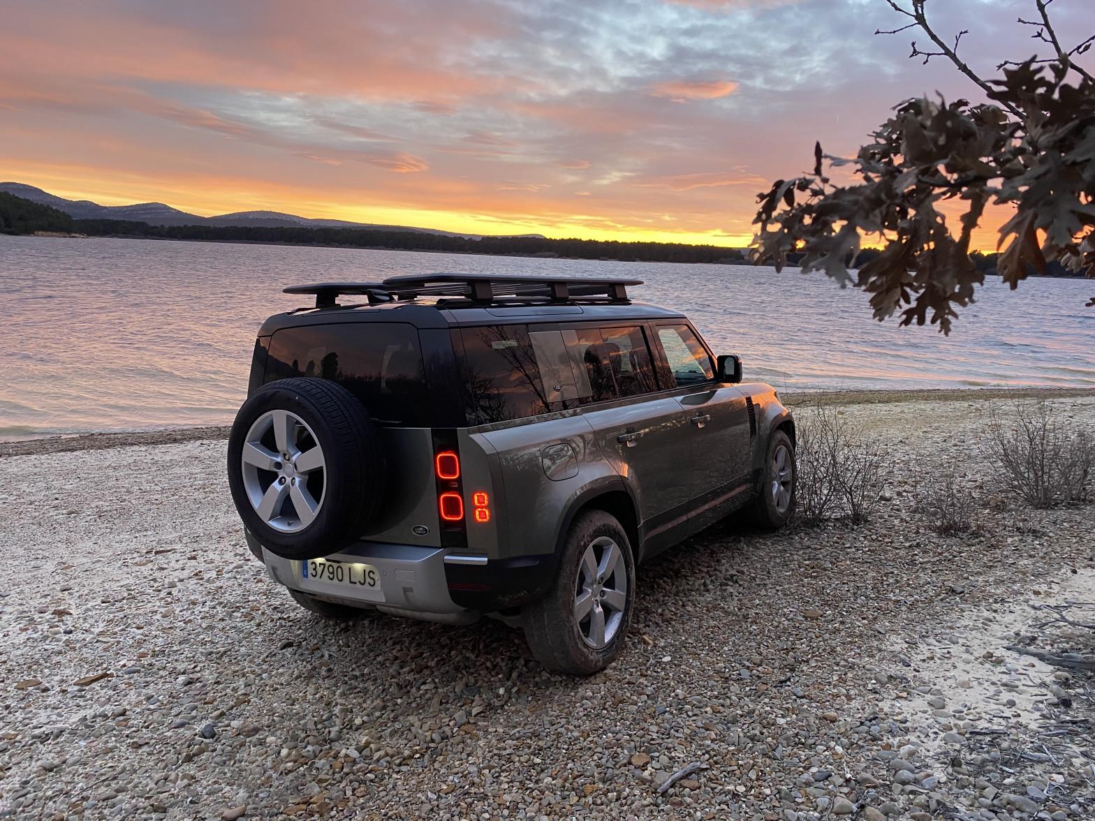Probamos el revolucionario Land Rover Defender, el más mítico todoterreno