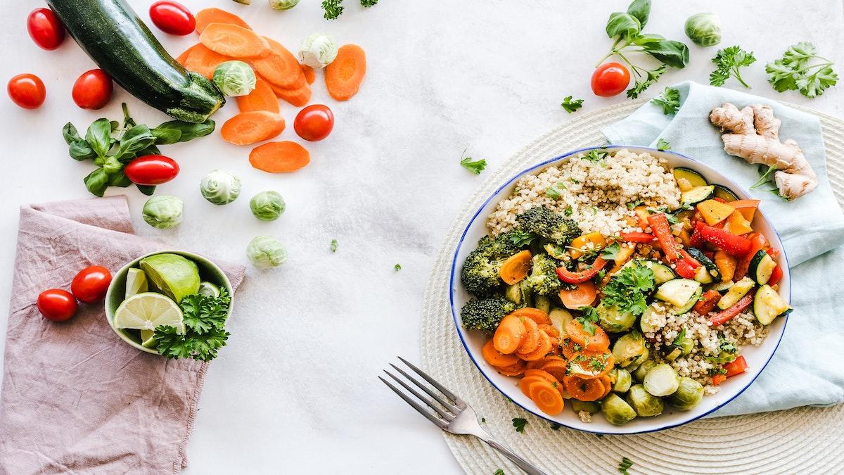 Seis alimentos para llenar de proteínas tus platos vegetarianos o veganos