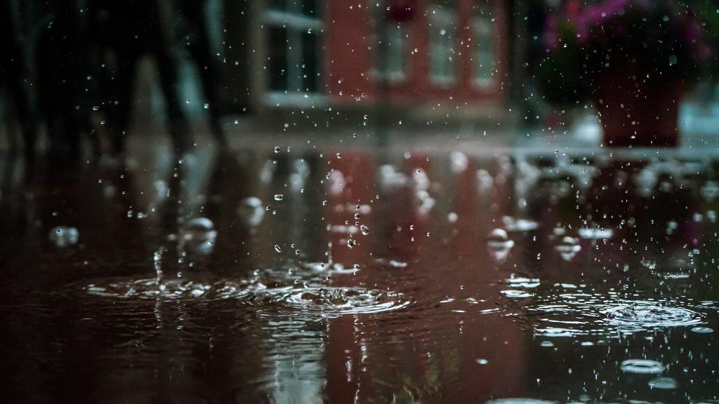 El tiempo de este viernes prevé lluvias en algunos lugares de la península.