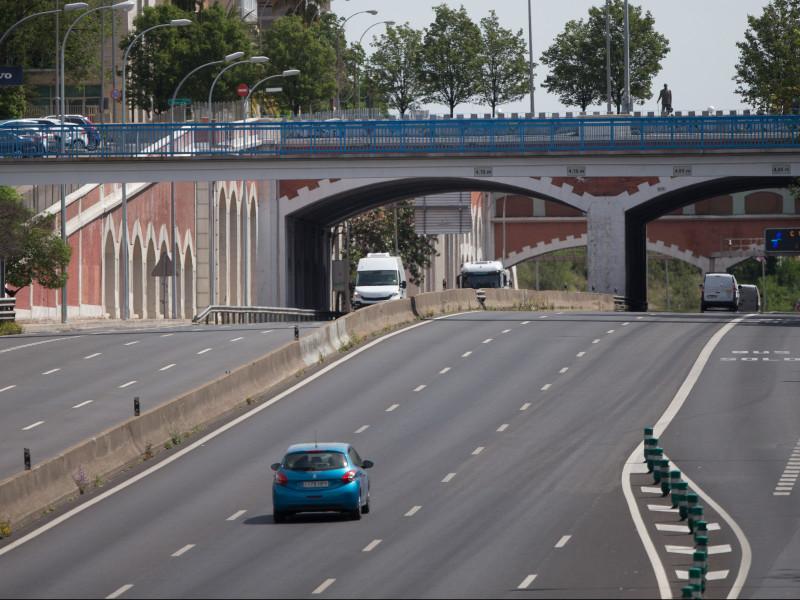 Carreteras sin apenas tráfico en el primer día del puente de San José siete comunidades