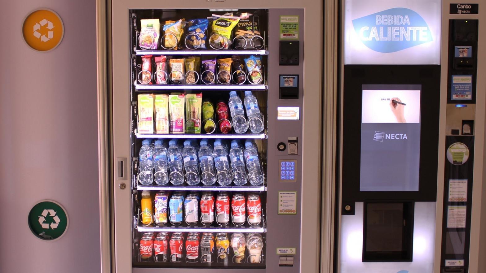 El Ministerio de Consumo regulará las máquinas de 'vending' para introducir fruta
