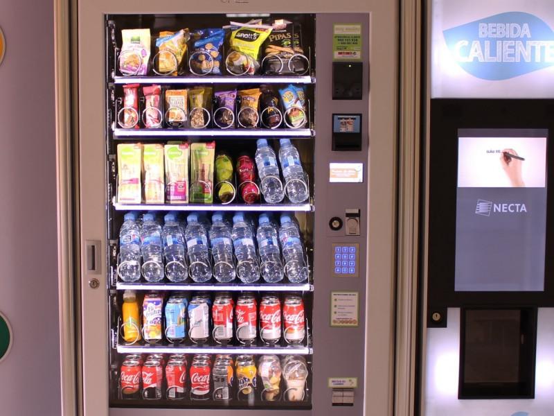 Consumo regulará las máquinas de 'vending' para introducir fruta