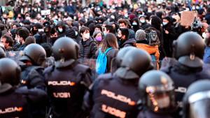 La Policía bloquea la manifestación por la libertad de Pablo Hasel en Madrid