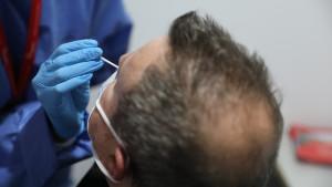 Madrid notifica 1.010 casos y dos fallecidos más por coronavirus