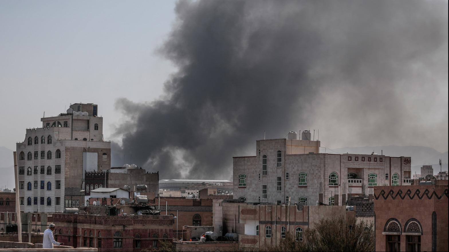 Arabia Saudí propone a los rebeldes huthis un alto el fuego en Yemen