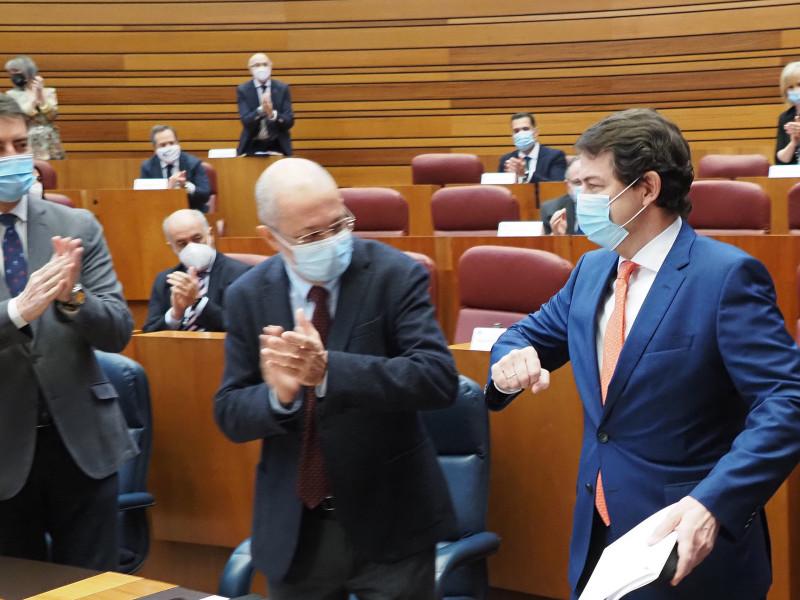 PP y Cs, forzados a gobernar en minoría en Castilla y León con Vox como última opción