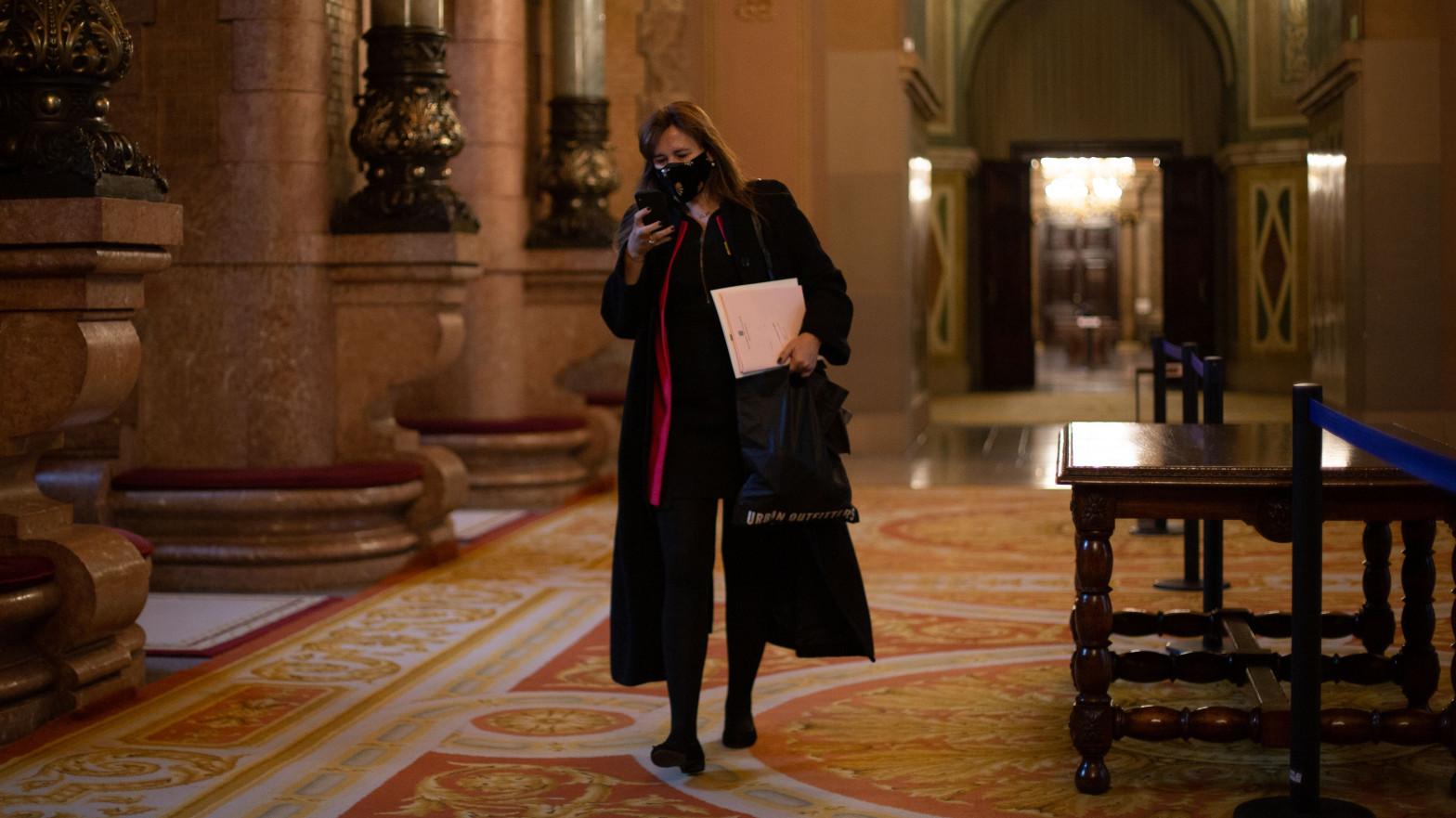 Borràs inicia una purga en el Parlament para apartar a los letrados que frenaron el 'procés'