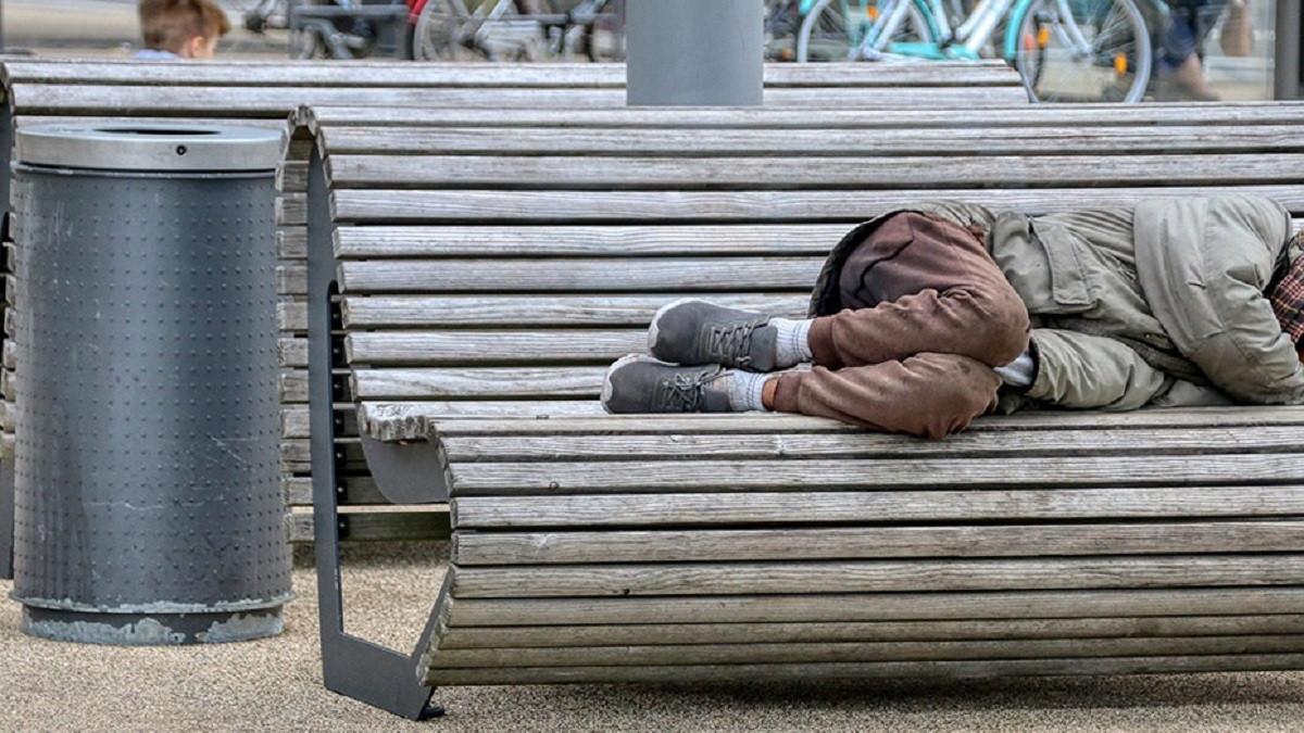 El Congreso apoya una iniciativa del PSOE para que las personas sin hogar accedan al Ingreso Mínimo