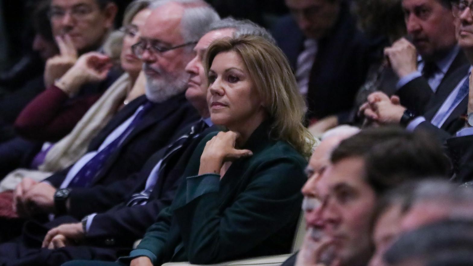 El juez ordena revisar los apuntes de Villarejo antes de decidir si imputa a Cospedal