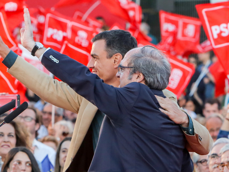 Pedro Sánchez y Ángel Gabilondo, Moncloa humilla a los socialistas madrileños