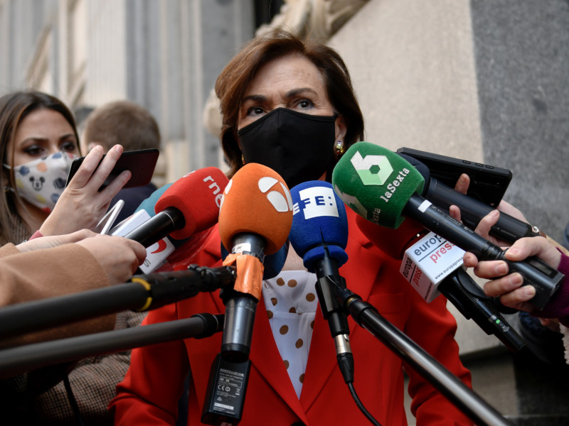 Carmen Calvo se distancia de la denuncia anunciada por Pablo Iglesias contra Teodoro García Egea