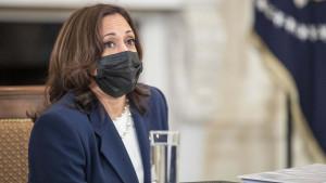 """Kamala Harris coordinará """"los esfuerzos"""" para """"frenar"""" el flujo migratorio en EEUU"""