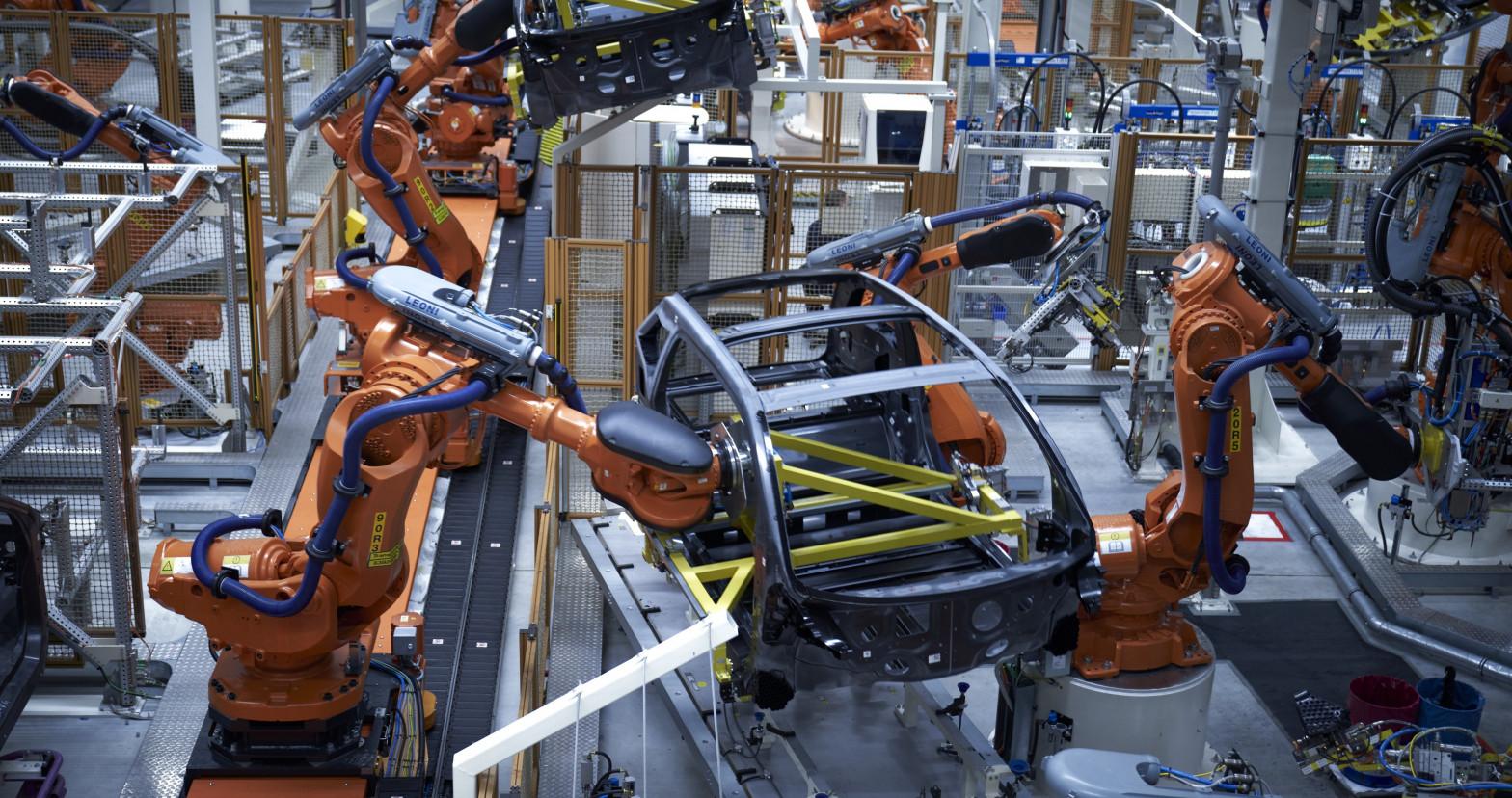 Los precios industriales suben un 0,8% en febrero y encadenan dos meses de ascensos