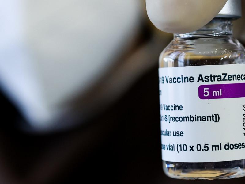 AstraZeneca rebaja al 76% la efectividad de su vacuna en su último estudio en EEUU