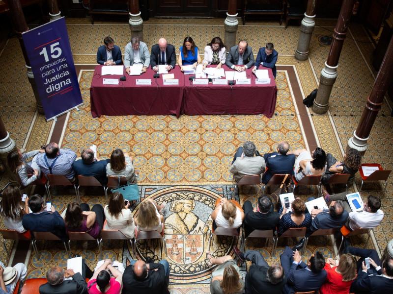 El Colegio de Abogados de Barcelona anula el debate electoral entre candidatos