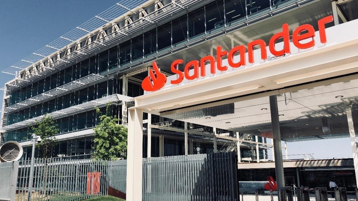 Banco Santander comprará a los minoritarios el 8,3 % de su filial mexicana.