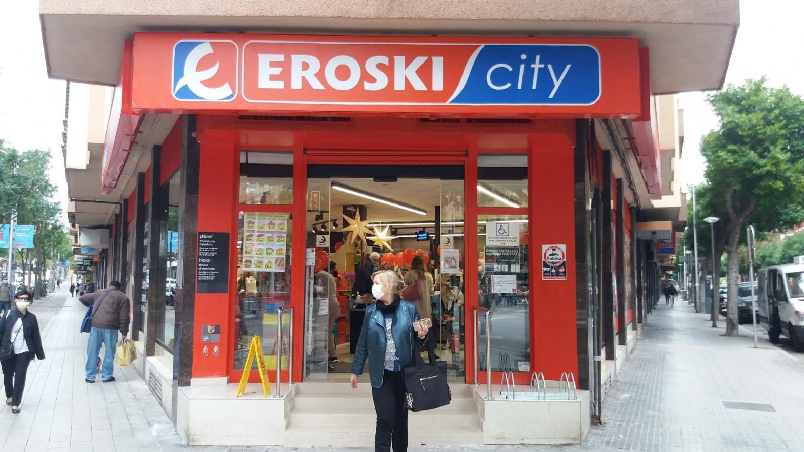Eroski espera reducir su deuda por debajo de los 1.000 millones tras la entrada del magnate checo