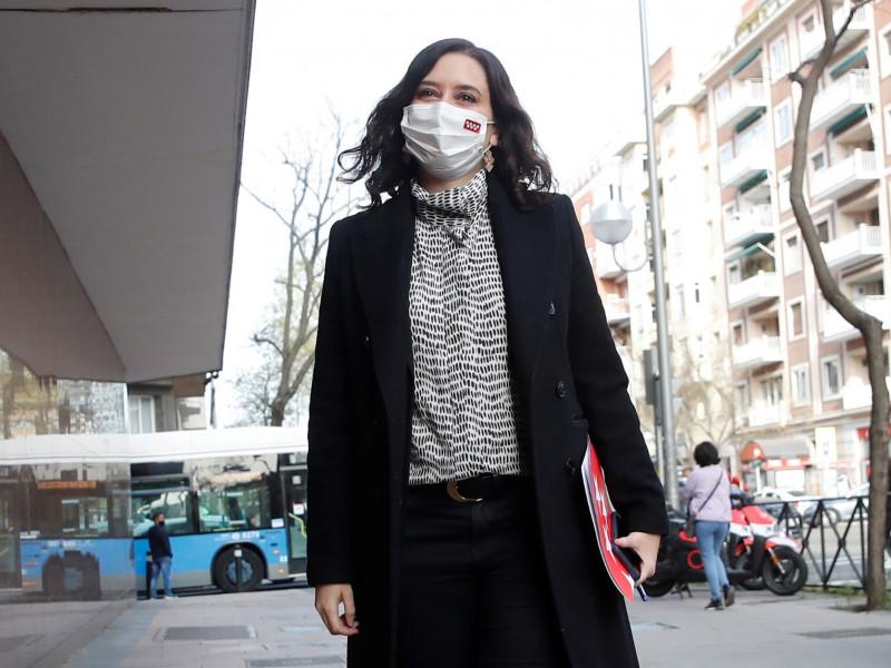 Ayuso avisa que si gana la izquierda cada madrileño pagará 2.000 euros más al año