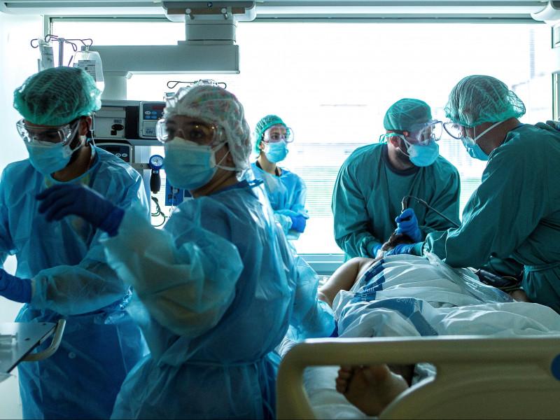 Cataluña registra 751 casos de la covid-19 y 11 muertes en las últimas 24 horas