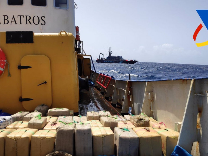 Intervienen 18.985 kilos de hachís en un pesquero con bandera panameña al sur de Canarias