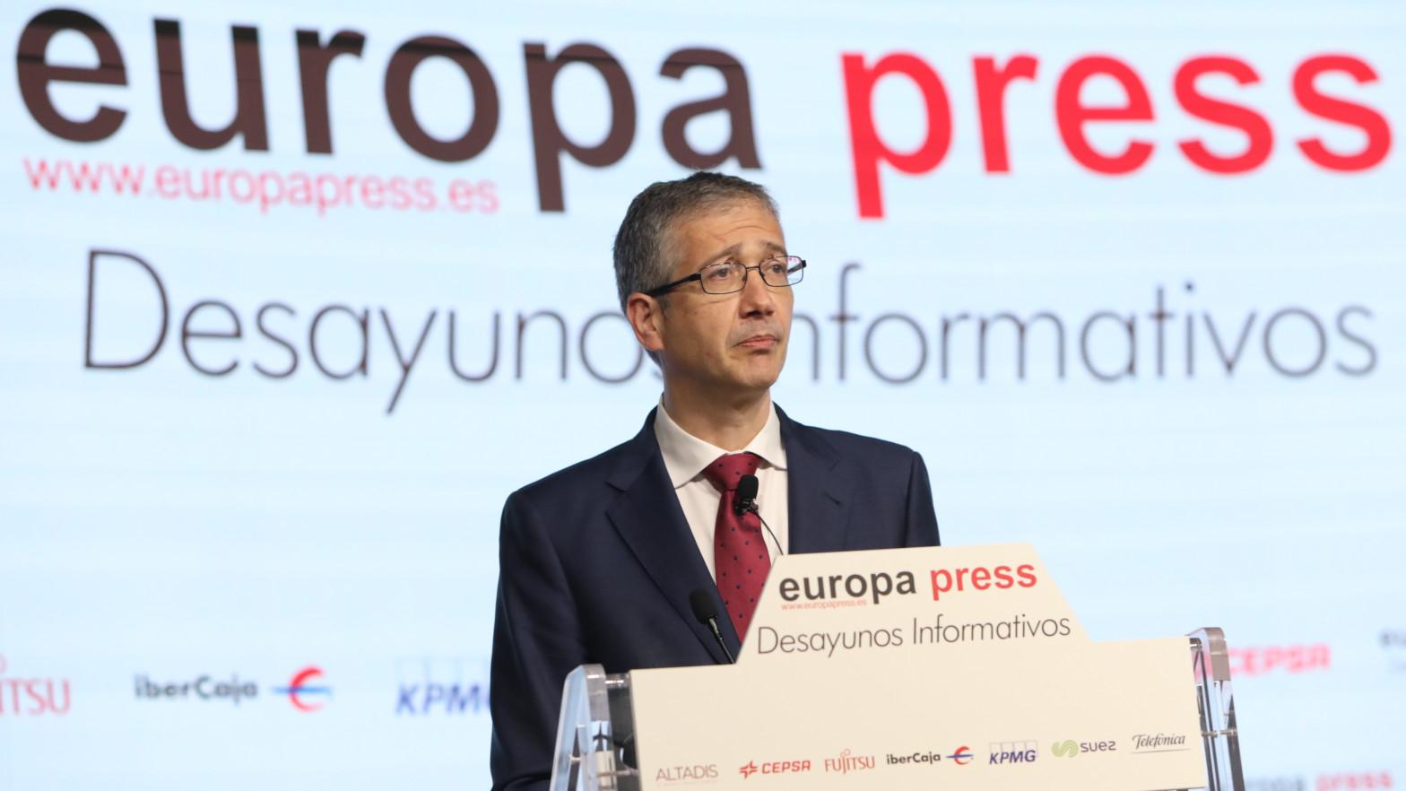 """El gobernador del Banco de España advierte de que los fondos europeos no pueden ser """"sustitutivos"""" de las reformas estructurales"""