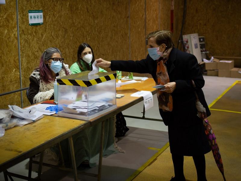 Elecciones: Las empresas que no den permiso a los trabajadores para ir a votar el 4M serán sancionadas