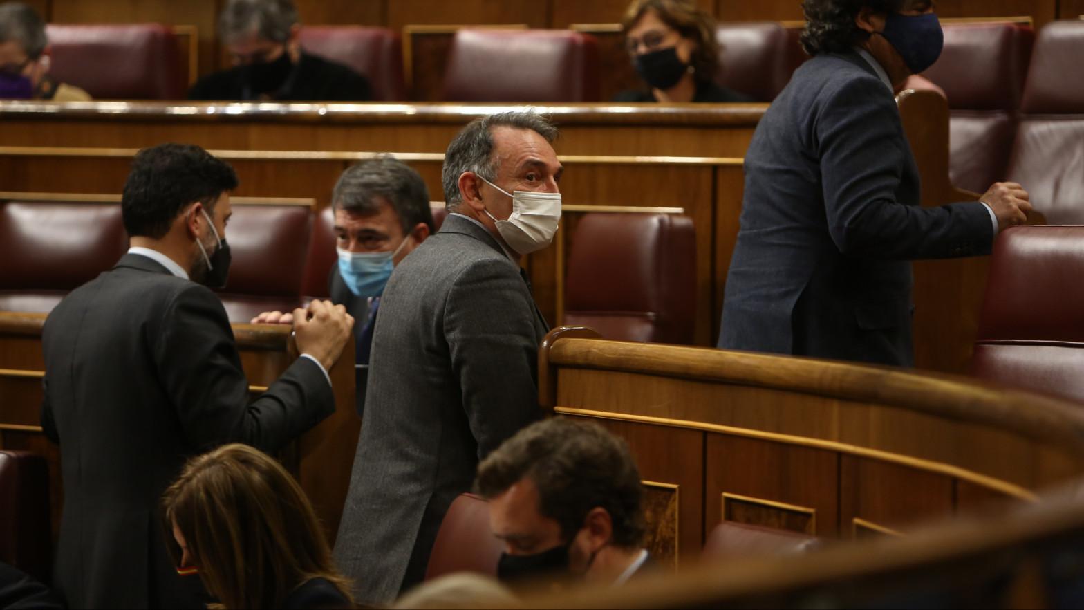 Iglesias encarga al líder del PCE Enrique Santiago que siga con su 'diplomacia paralela'
