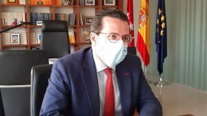 Madrid acusa al Gobierno de entorpecer la concesión de ayudas a empresas