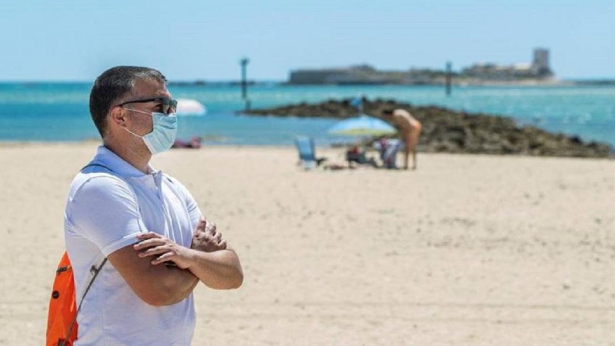 Restricciones en Semana Santa: qué se puede hacer, toque de queda y mascarillas en playa y piscina - Vozpópuli
