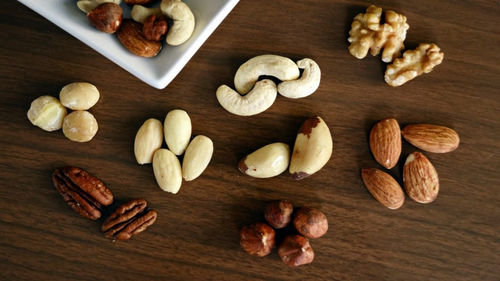frutos secos felicidad serotonina hormona triptofano anacardo