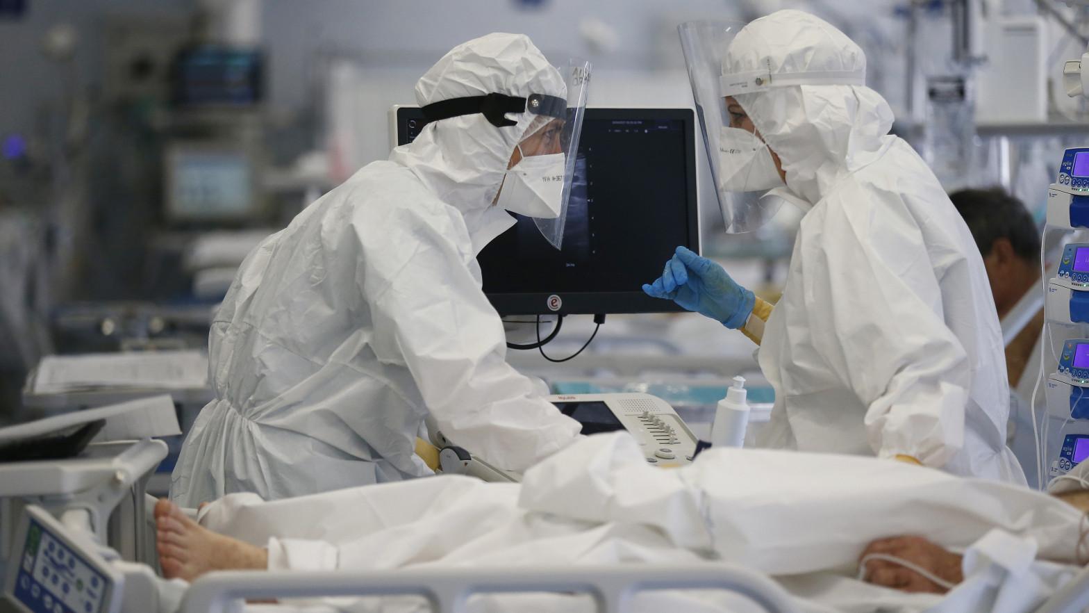 Aumentan los hospitalizados en Cataluña pese a descender la velocidad de contagio